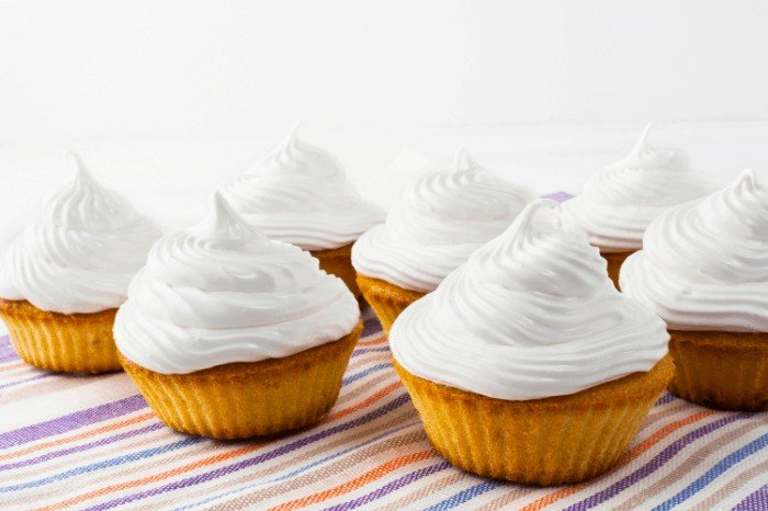 Whipped Cream Frosting Recipe: Tips and Tricks