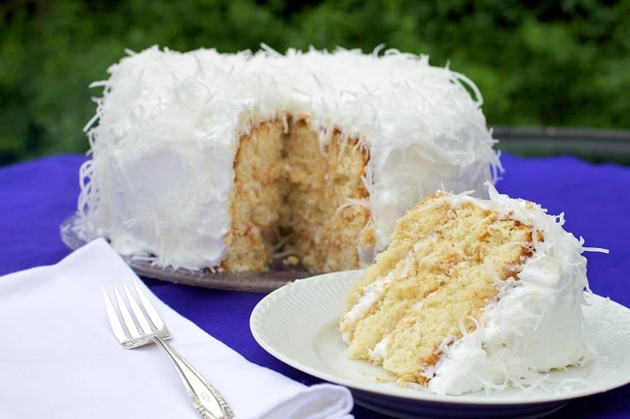 Amazingly Easy Coconut Cake Recipes with Cake Mix