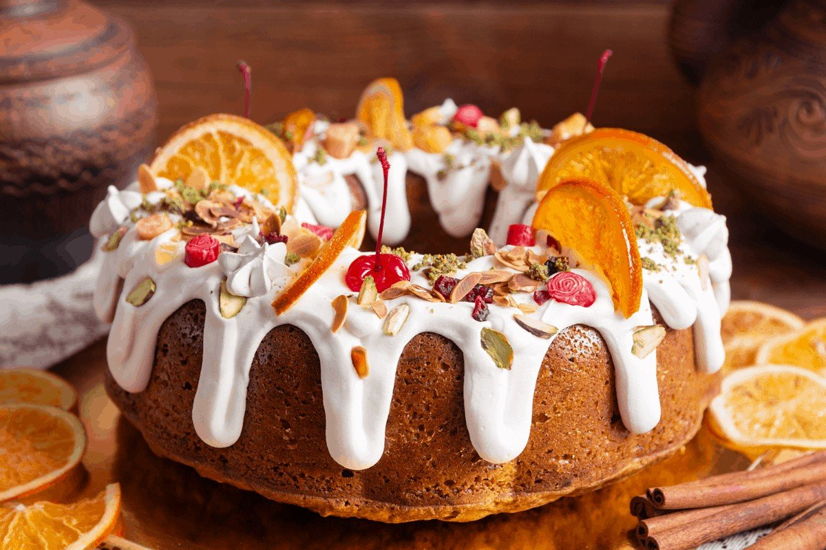 How to Easily Frost Your Bundt Cake