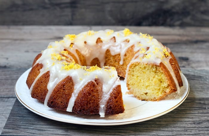 How to Frost a Bundt Cake: How to Freeze It?