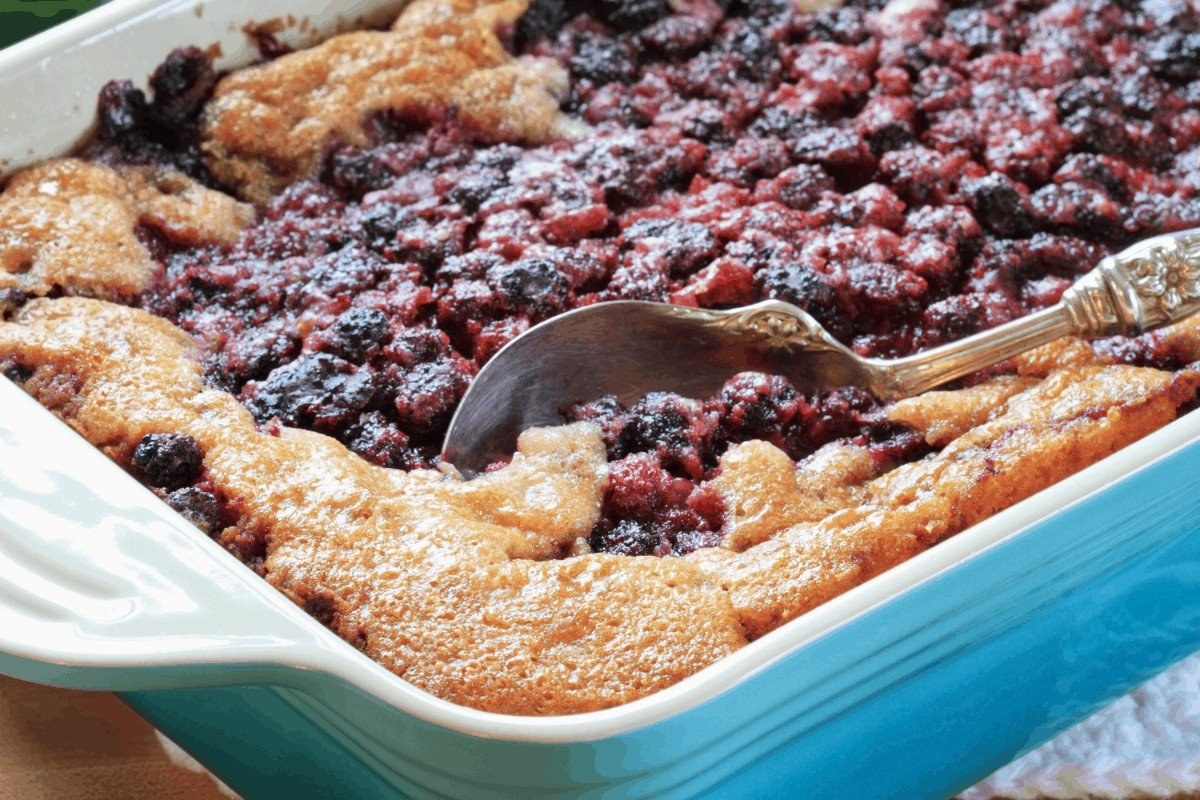 Sensationally Easy Blackberry Cobbler with Cake Mix