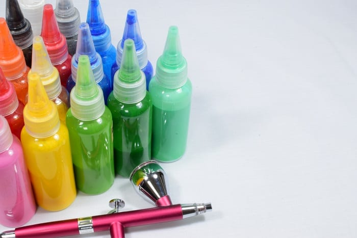 Airbrush Cake Decorating: How? tips and tricks