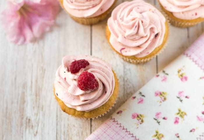 Raspberry Buttercream Frosting: What You Will Need Tips and Tricks