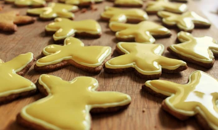 How to Flood Cookies: But, You May Ask, How Do We Do This With Buttercream? Heat-up