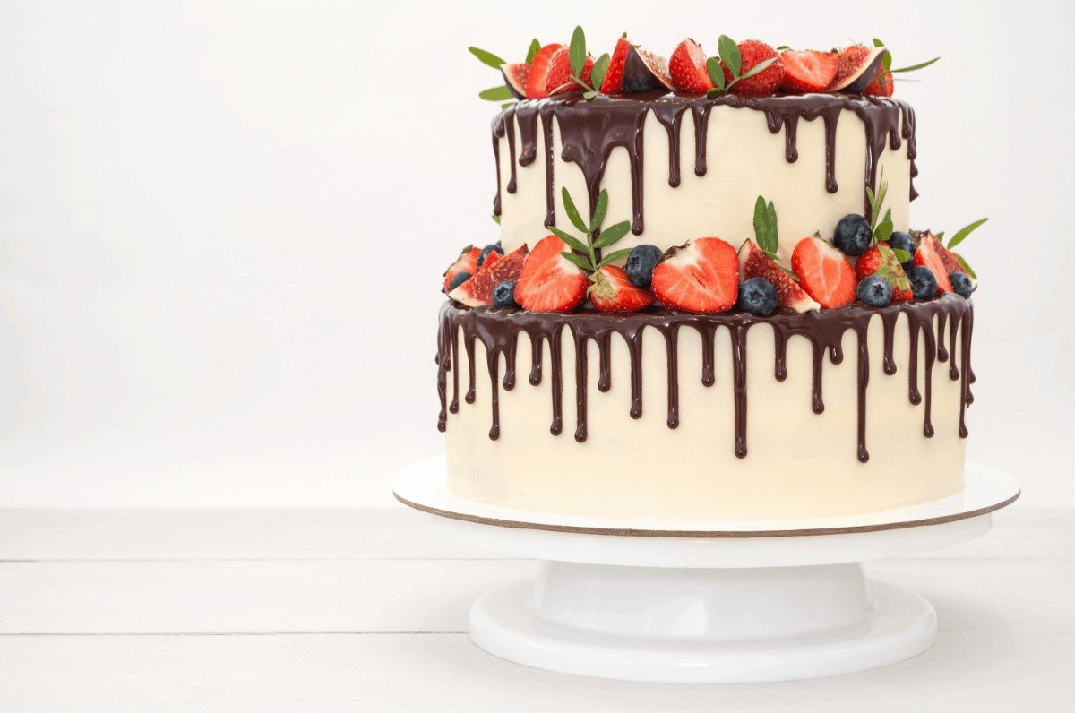 Amazing Two Tiered Coconut-Strawberry Cake