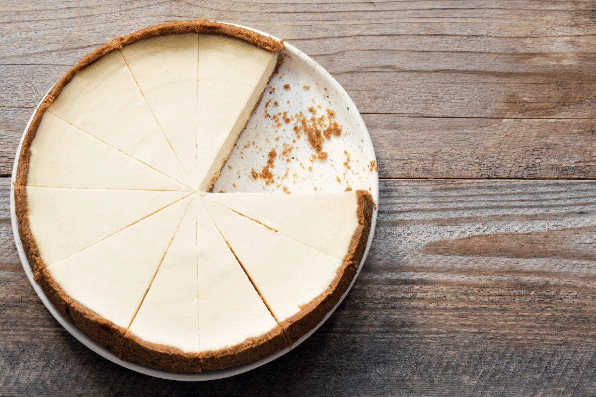 Delicious Cheesecake with Condensed Milk Using a Simple Recipe