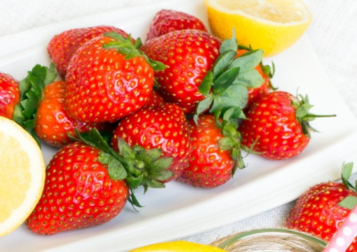 What You Need to Make Strawberry Topping for Cheesecake