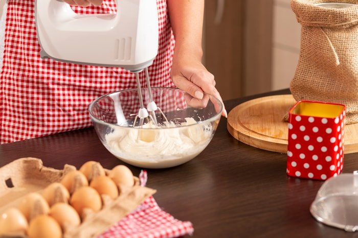 Choosing a Hand Mixer