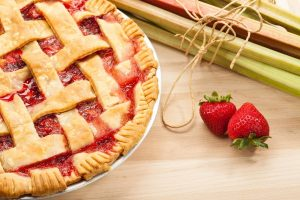 Sensational Strawberry Rhubarb Pie