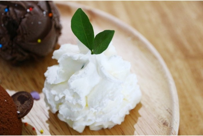 Uses For Heavy Whipping Cream on Pastry fillings, Toppings, and Pipings