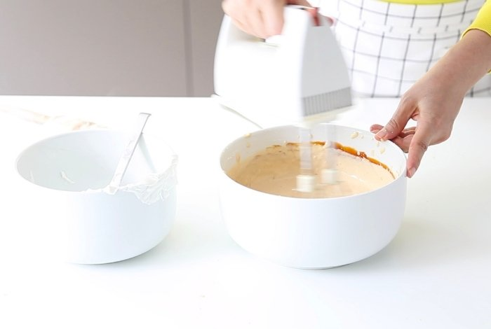 How to Thicken Caramel Sauce by Altering the Caramel Recipe
