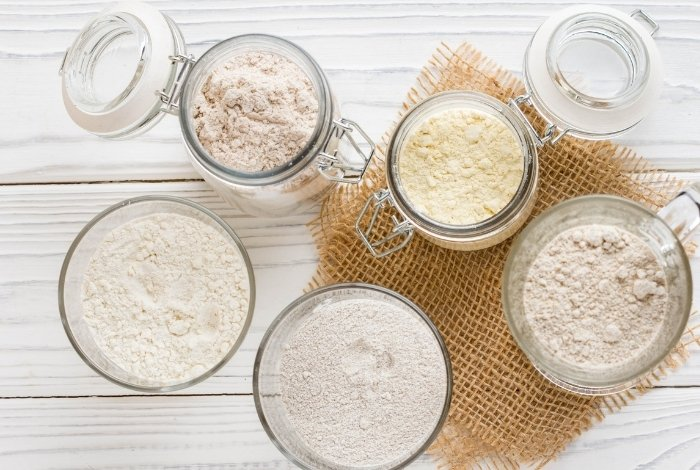 Why is it Better to Use Cornstarch vs. Flour - And What are its Downsides
