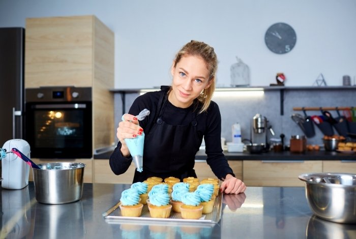 Making Your Store-Bought Cream Cheese Frosting Pipeable