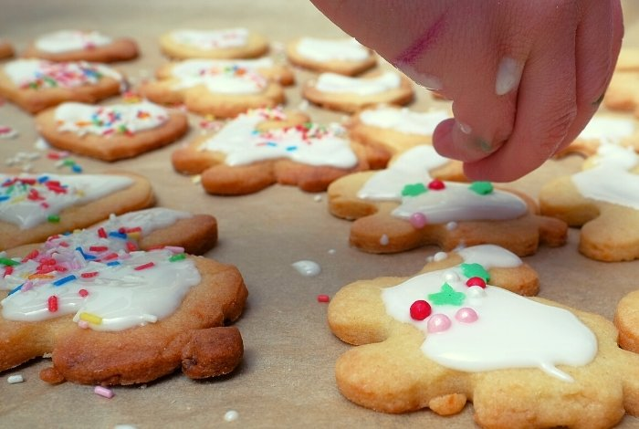 Tips And Tricks For Making Glazes For Cookies