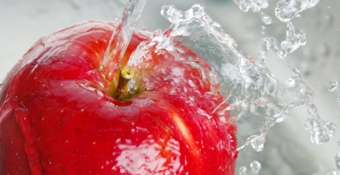 How to Remove Wax From Apples For Candy Apples