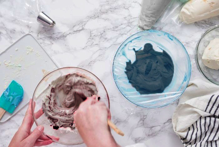 Paste Food Coloring for Gray Icing