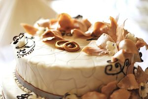Delicious French Vanilla Wedding Cake Recipe