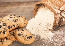 What Does Flour Do in Cookies