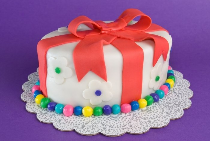 how much cost a fondant cake
