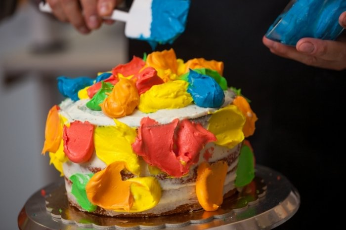 Frosting Multi colored Cake