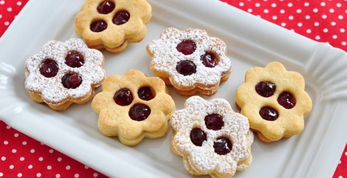 Amazing Linzer Cookies Without Nuts