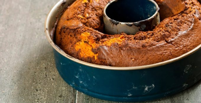 How To Remove Bundt Cake From Pan