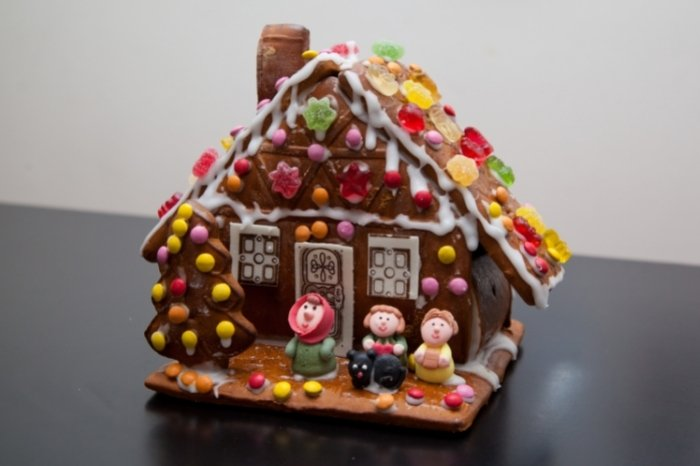 The Tradition of Gingerbread Houses
