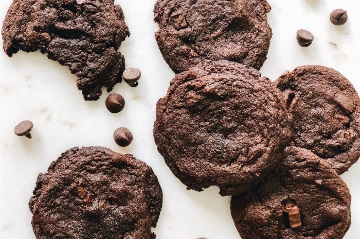 Tips and Tricks for Hershey's Double Chocolate Chip Cookies