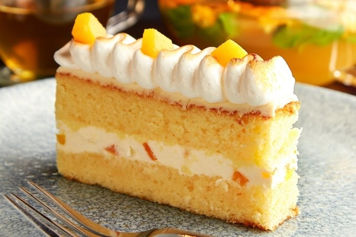Tips and Tricks for Pineapple Whipped Cream Frosting